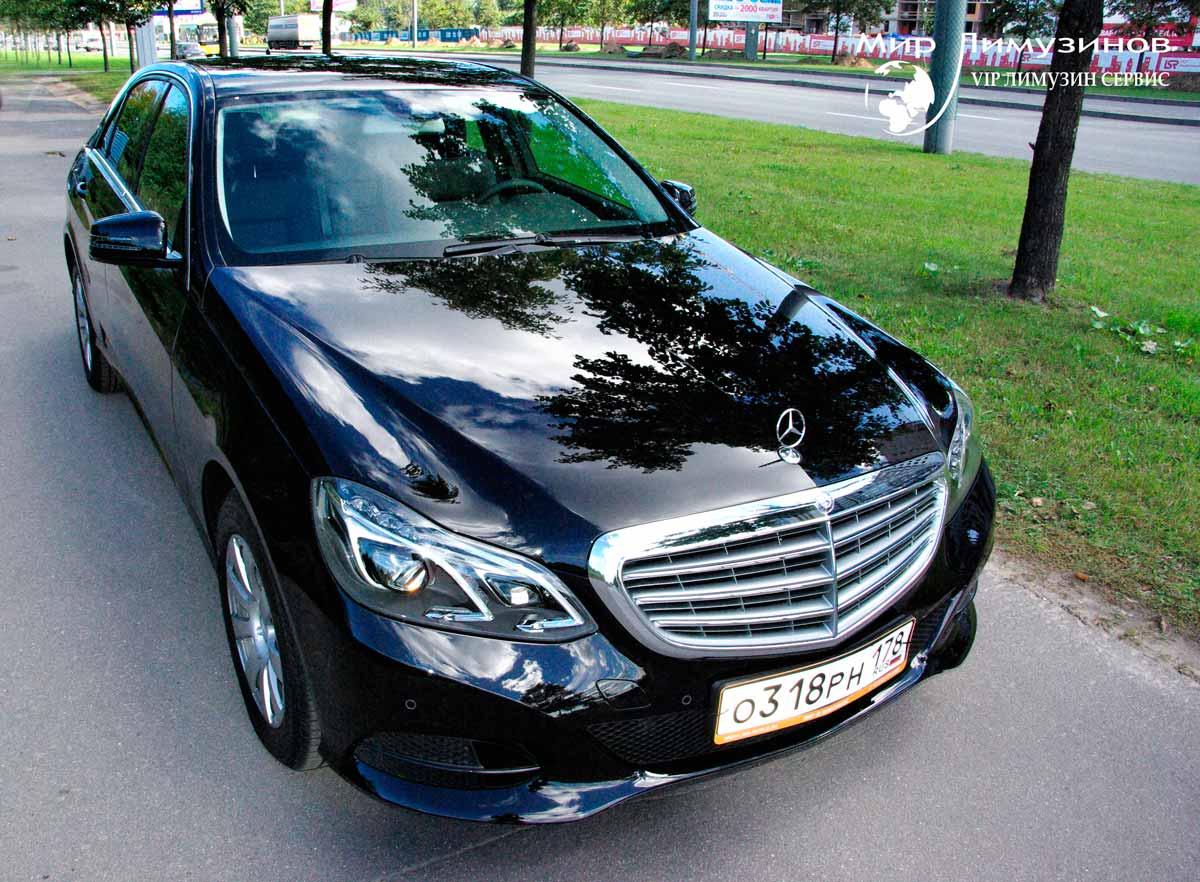 Аренда седана Mercedes E-class 212 Black модель 2014 года в Санкт ...